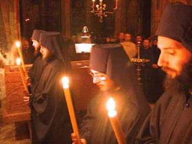 сербские монахи