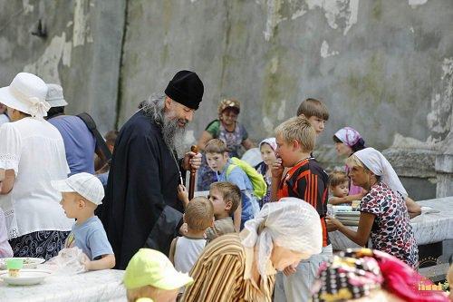 Беженцы в Святогорской Лавре