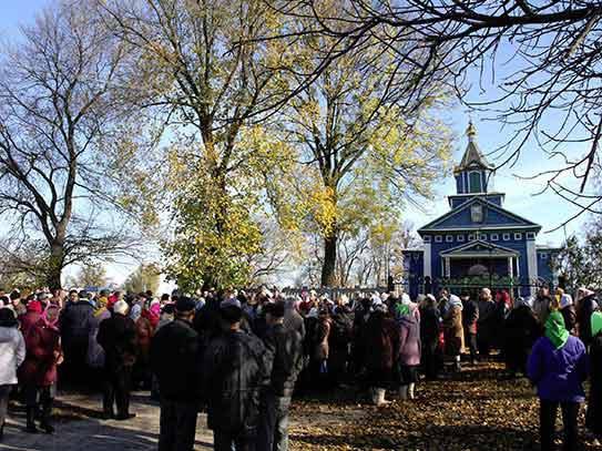 В украинском Белозерье верующие отстояли храм