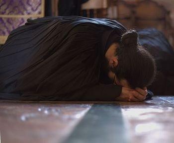 плач монаха