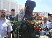«Вежливые люди» взяли Крым под вечную охрану