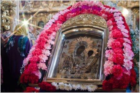 Пресвятая Богородица гонит от нас демонов