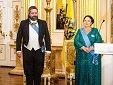 Тем временем в Царицыно наградили Машу и Гошу...