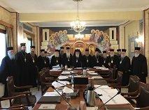 Синод Элладской Православной Церкви единогласно отказался менять правила причащения верующих из-за пандемии