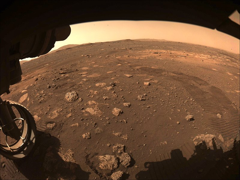 Ученые NASA выяснили, почему марсоход несмог собрать грунт наМарсе
