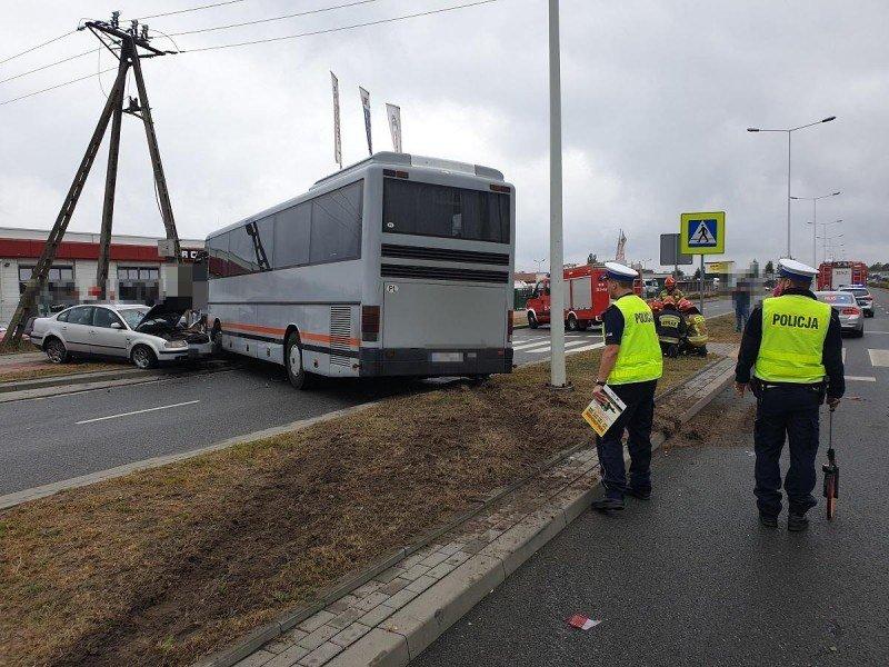 ВПольше пьяный украинец на автобусе устроил аварию