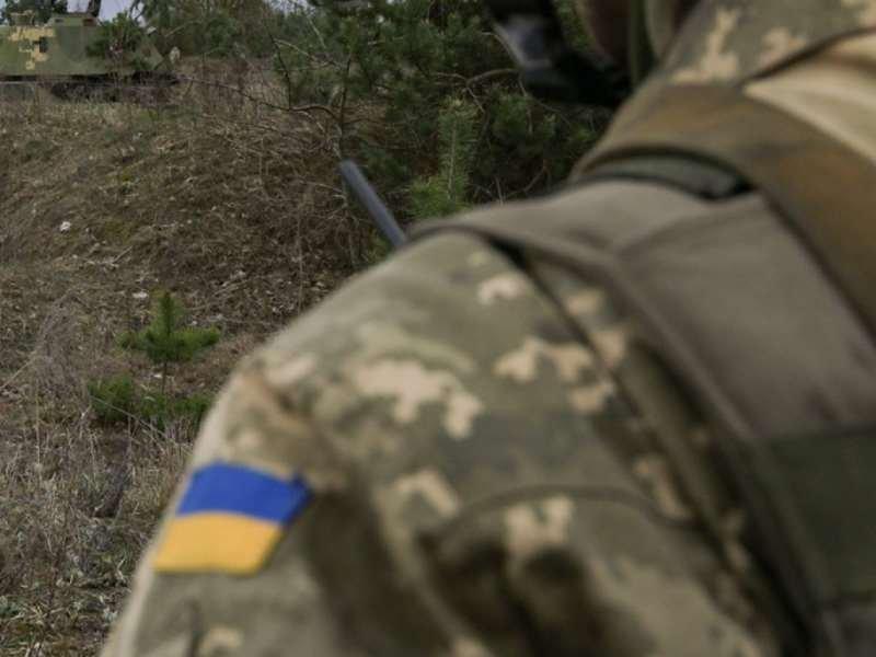 Украинский солдат выпал извертолёта вовремя учений наДонбассе
