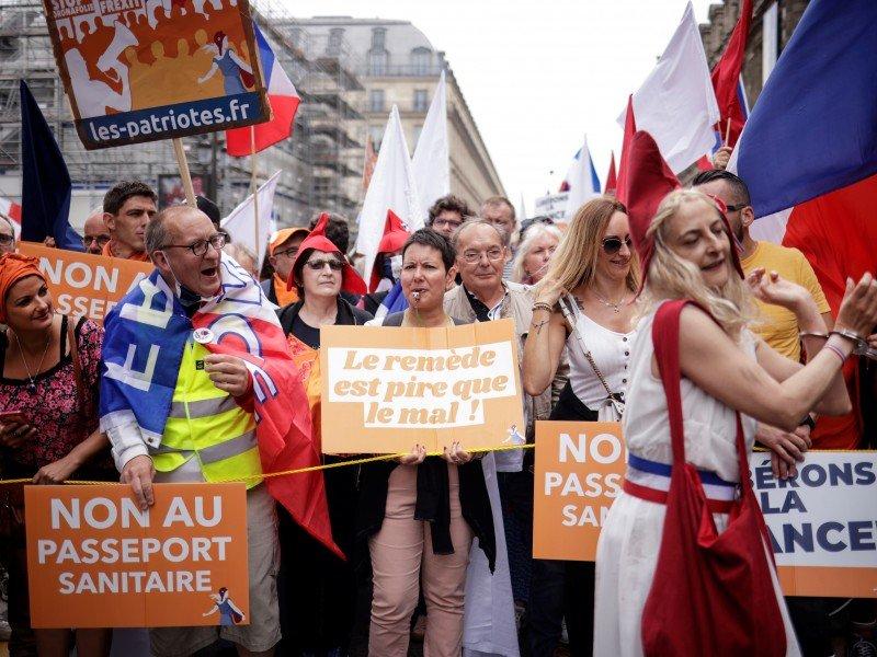 В Канаде митингуют против обязательной вакцинации