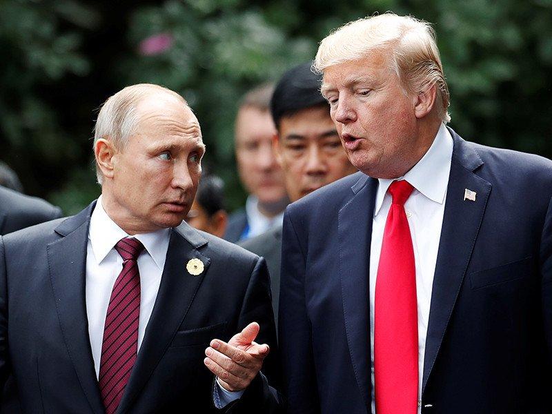 Стало известно, что Трамп шепнул Путину во время саммита в Осаке