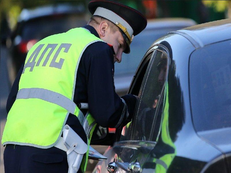 Автоэксперт назвал распространенные ошибки в разговоре с инспектором ДПС